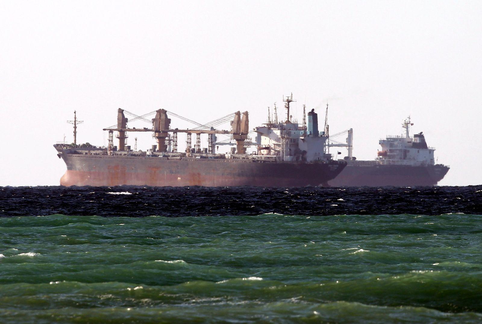 Öltanker in der Straße von Hormus