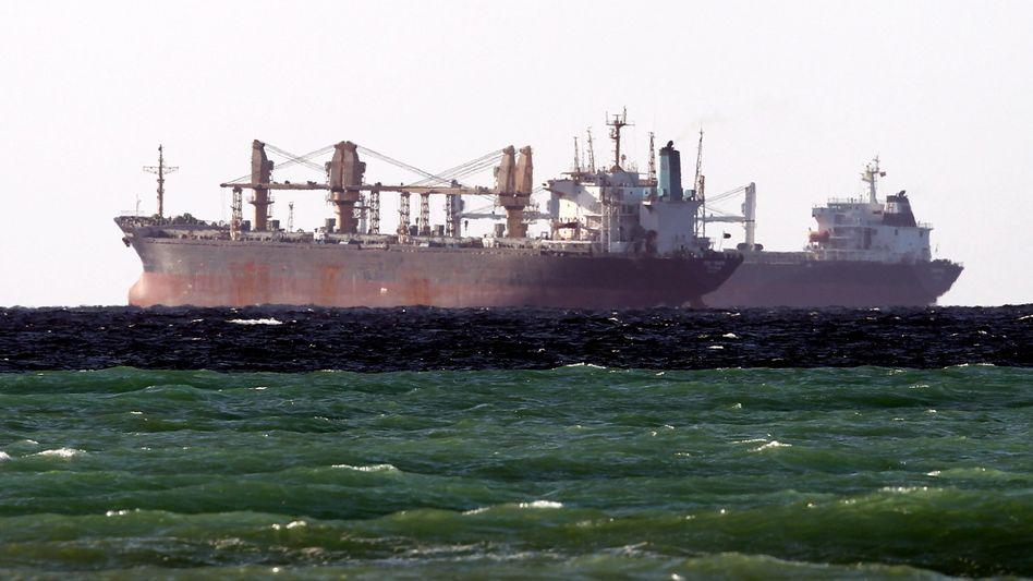 Schifffahrt in der Straße von Hormus