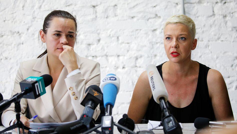 Swetlana Tichanowskaja (l,) und Maria Kalesnikawa in Minsk