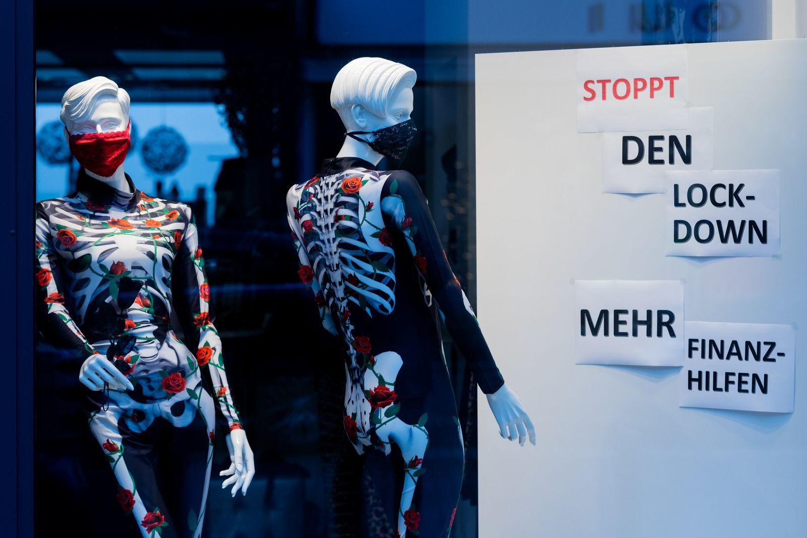 Coronavirus - Schaufensterfiguren als Skelette