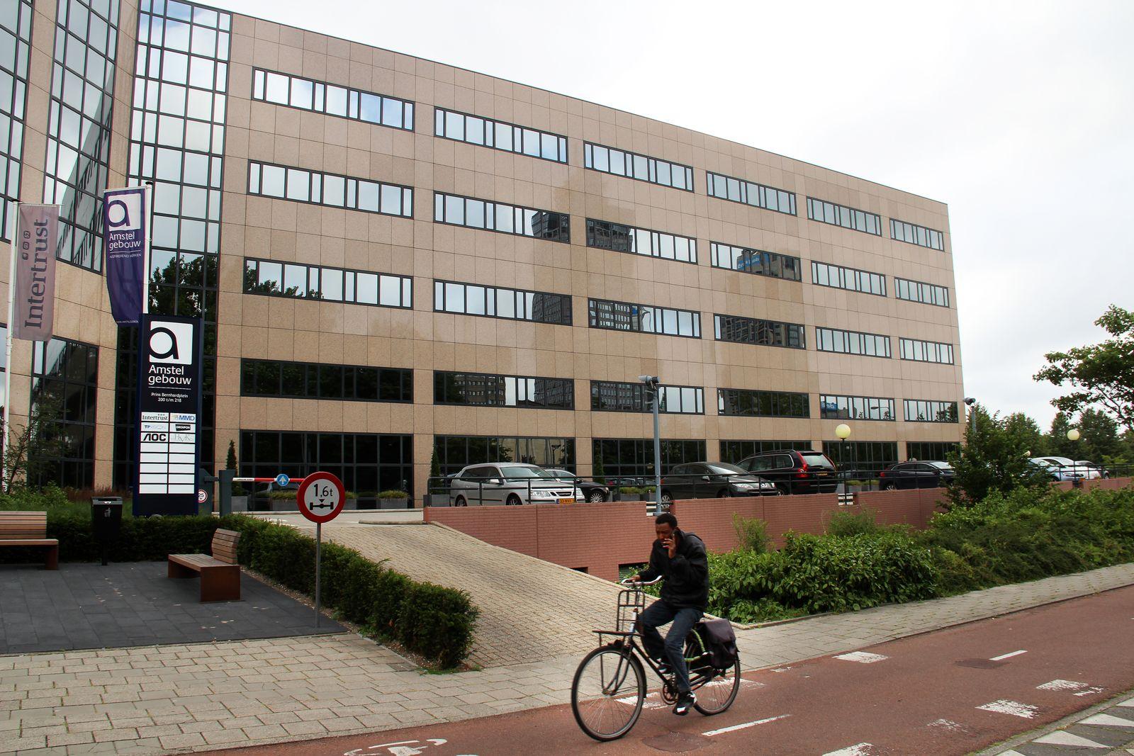 EINMALIGE VERWENDUNG Niederland / Steuern / Amstelgebouw