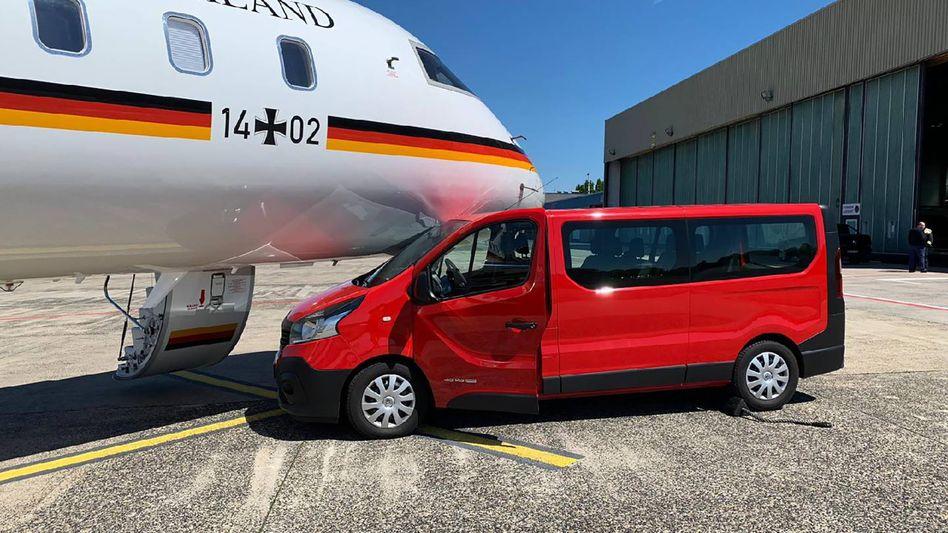 Bus rammt Jet: So geschehen auf dem Flughafen Dortmund