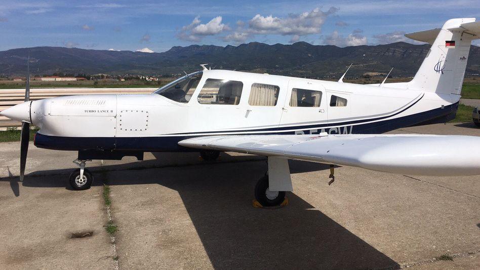Beschlagnahmtes Flugzeug der Schmuggler