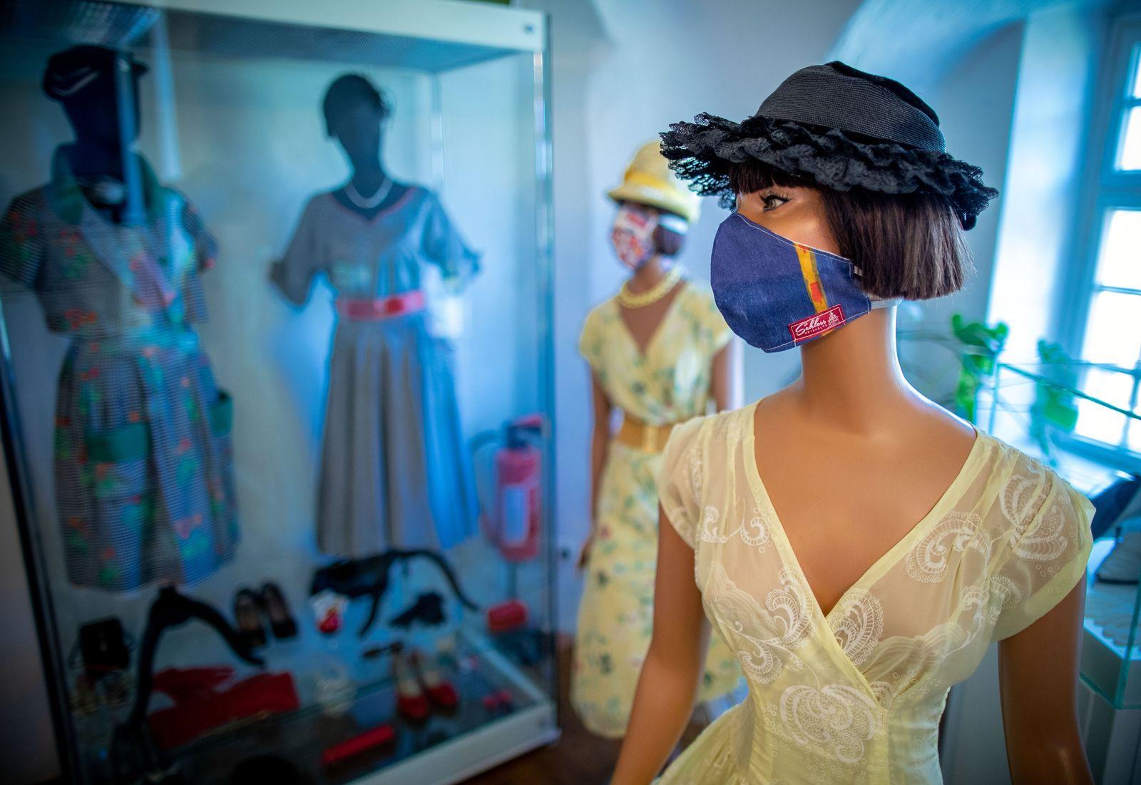 Coronavirus - Modemuseum näht Stoffmasken