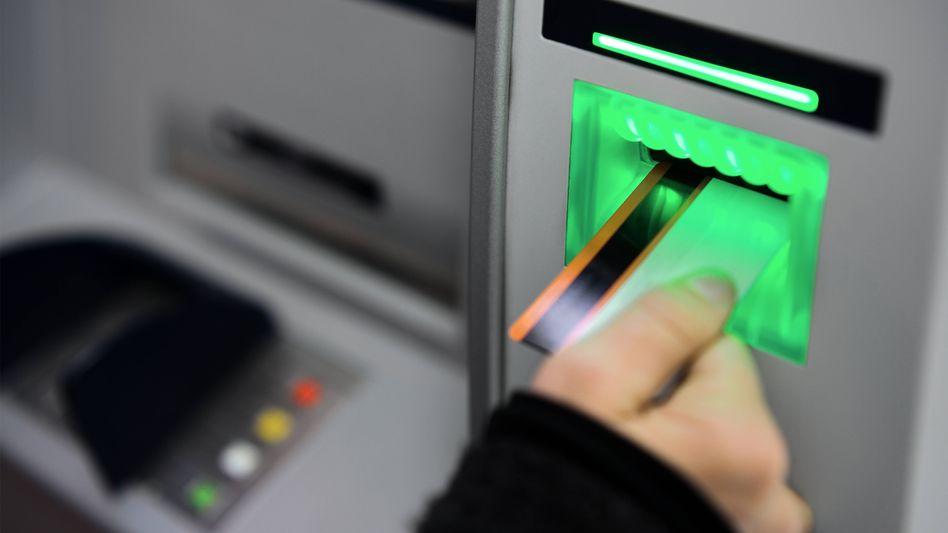 Geld von der Bank gibt es nicht nur am Automaten