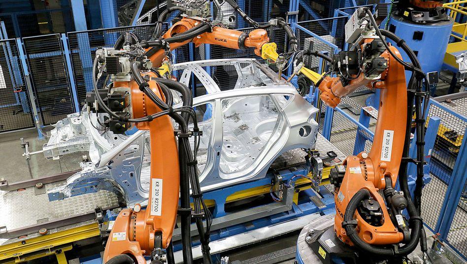 Kuka-Robotor in Kölner Ford-Werk