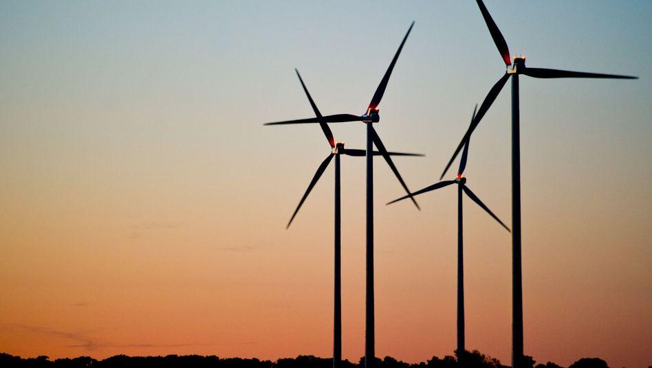Fragwürdige Geschäfte mit Windenergie: Durchhalteparolen für Anleger