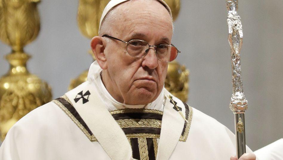 Papst Franziskus bei einer Messe im November