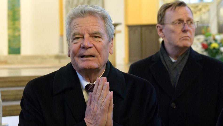 Altbundespräsident Gauck, Ministerpräsident Ramelow (im Februar 2017 in Jena): Rufe nach einer Vermittlerrolle