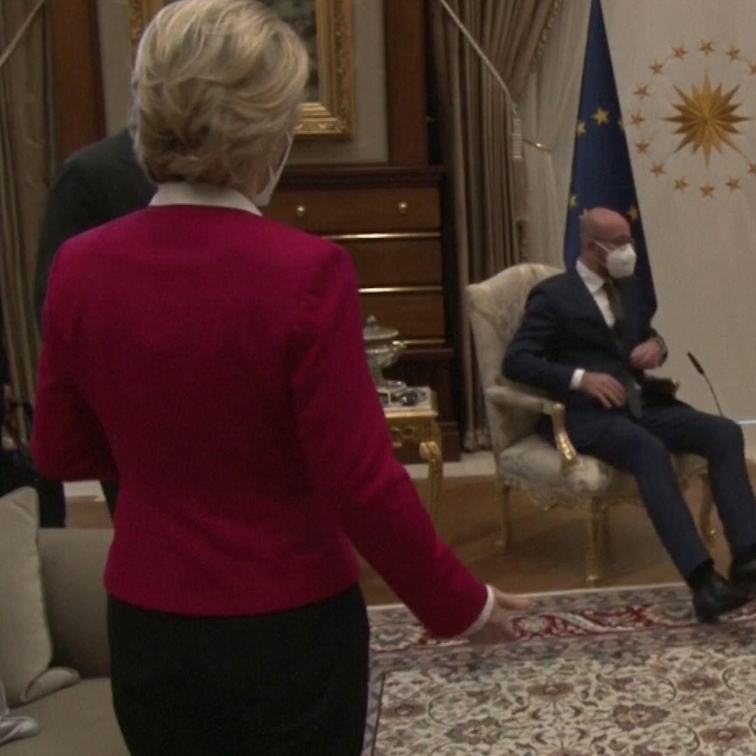 Ursula von der Leyen von Recep Tayyip Erdogan düpiert - Sofa-Eklat beim  EU-Gipfel - DER SPIEGEL