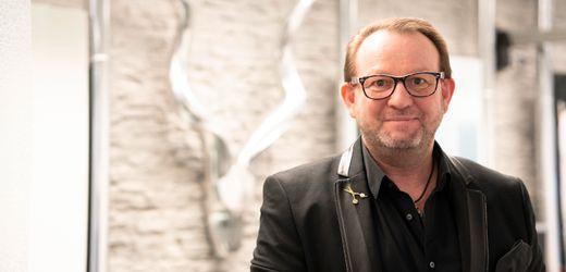 Friseur in Bayreuth: Kunde ersteigert Haarschnitt für 422 Euro
