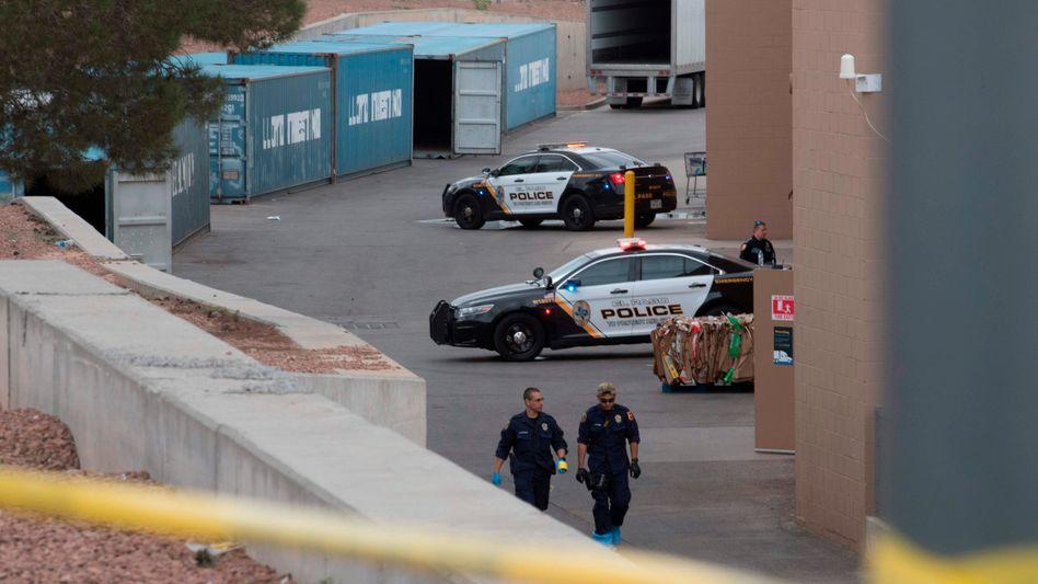 Polizisten am Tatort: In einem Walmart wurden 22 Menschen erschossen