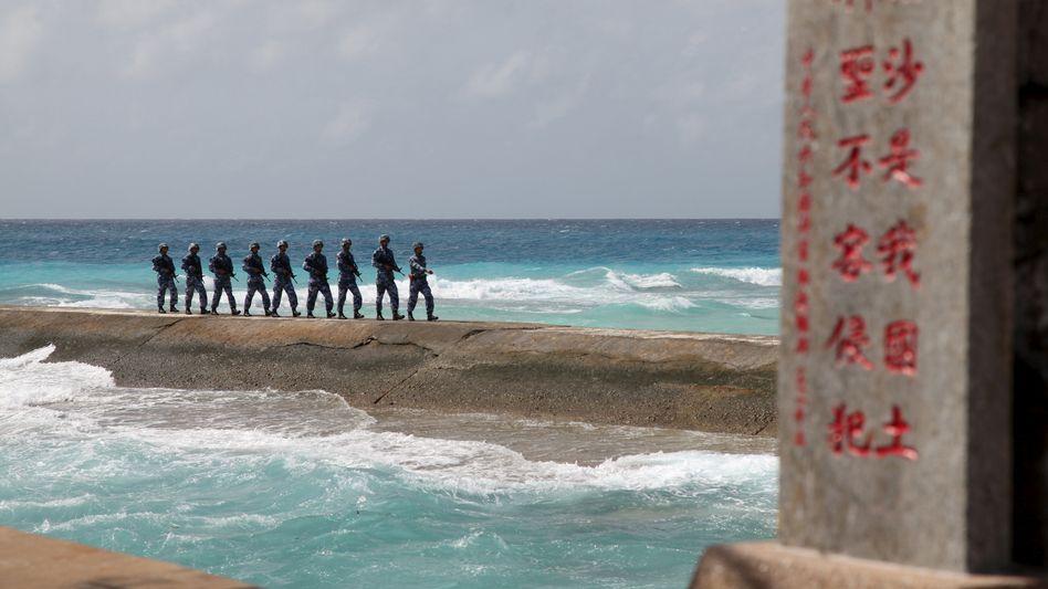 Chinesische Soldaten auf den Spratly-Inseln (Archiv)