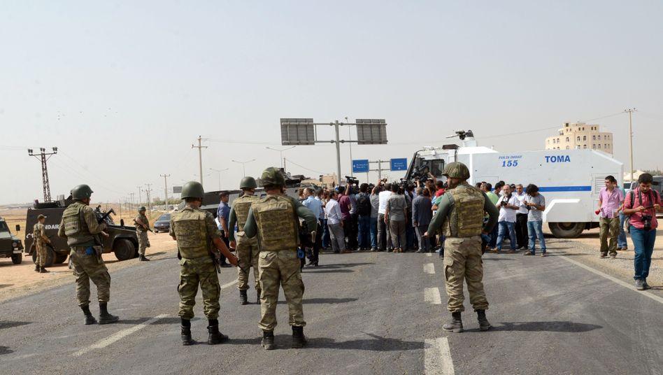 Straßensperre bei Cizre (Foto vom 9. September): Die Ausgangssperre wurde aufgehoben