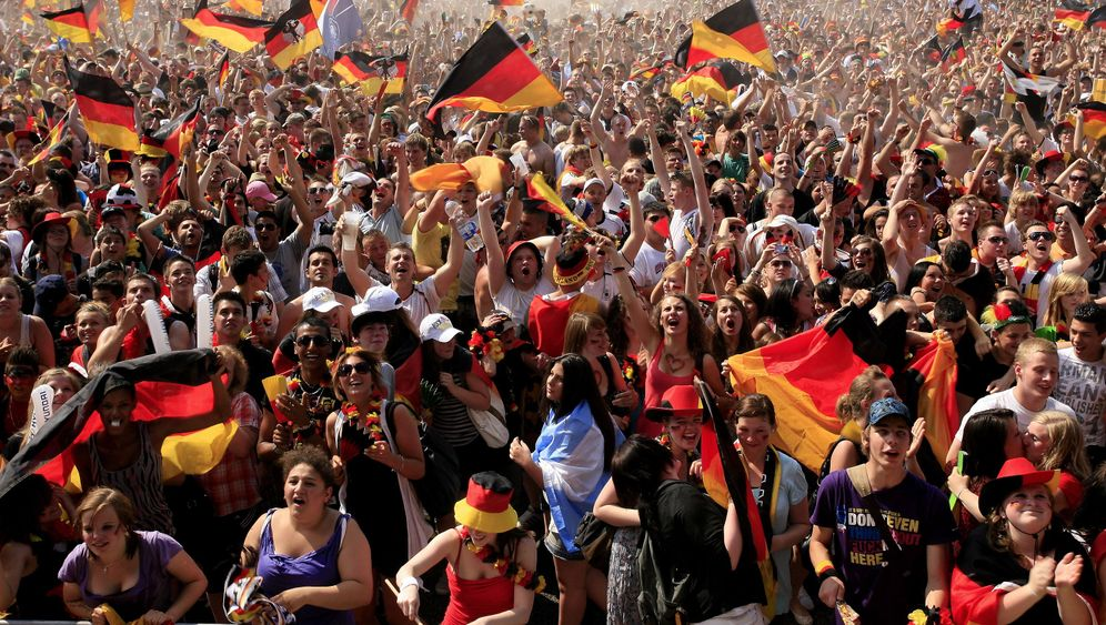 Photo Gallery: Celebrating Germany's Win
