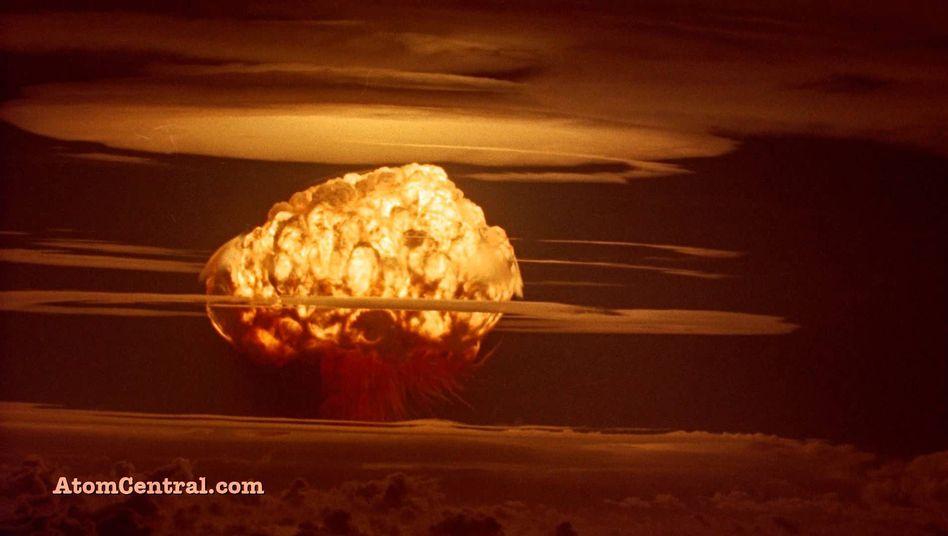 Atomwolke eines amerikanischen Kernwaffentests auf dem Bikini-Atoll 1954.