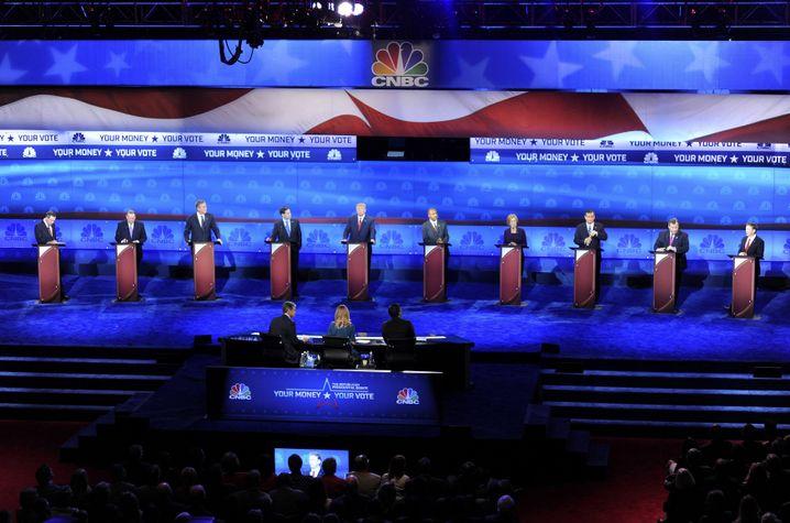 Die zehn Kandidaten der US-Republikaner bei der TV-Debatte in Boulder