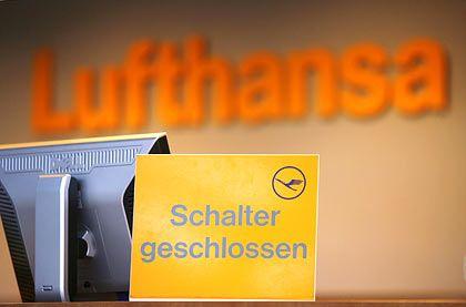 Lufthansa-Schalter (in Hamburg): Gespräche am Freitagmorgen