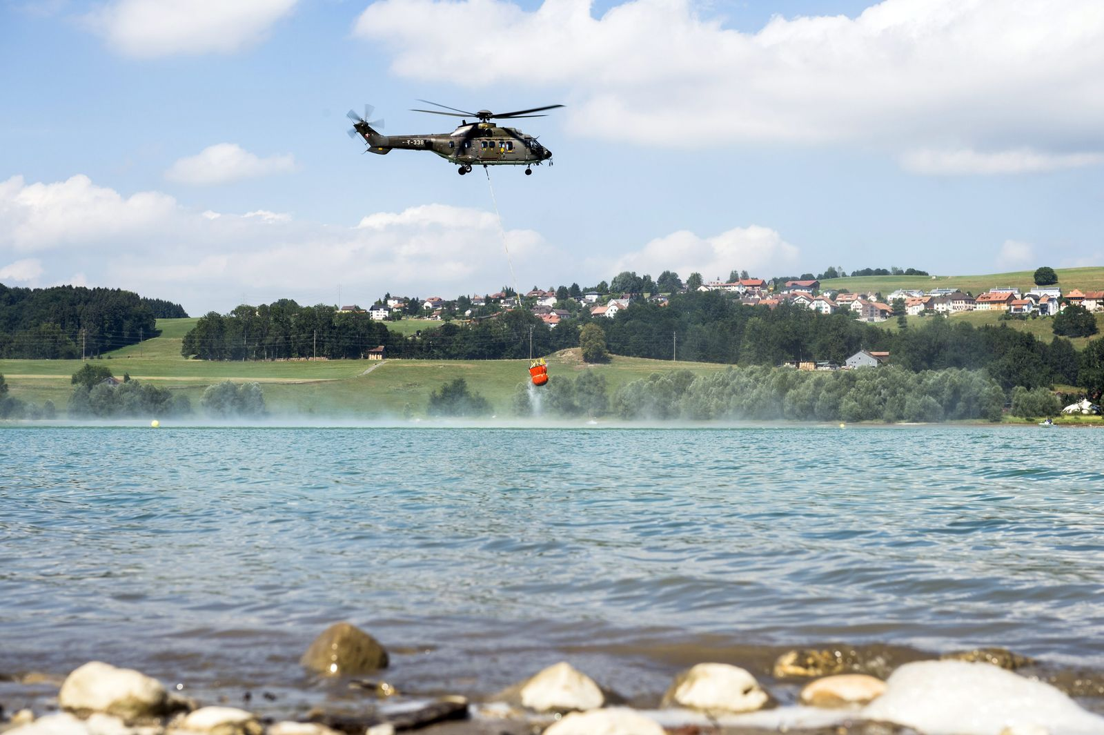 Super Puma / Schweizer Militär / Wassertank