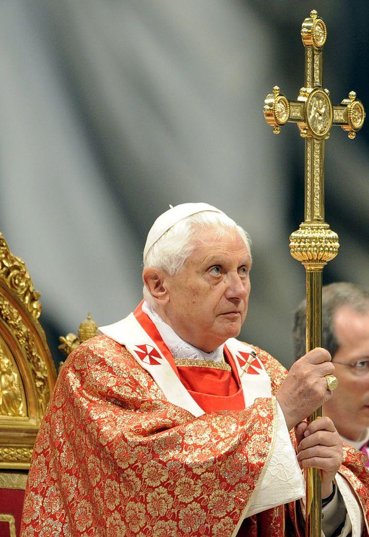 Papst im Petersdom: Krise auch an die Pforten des Vatikans