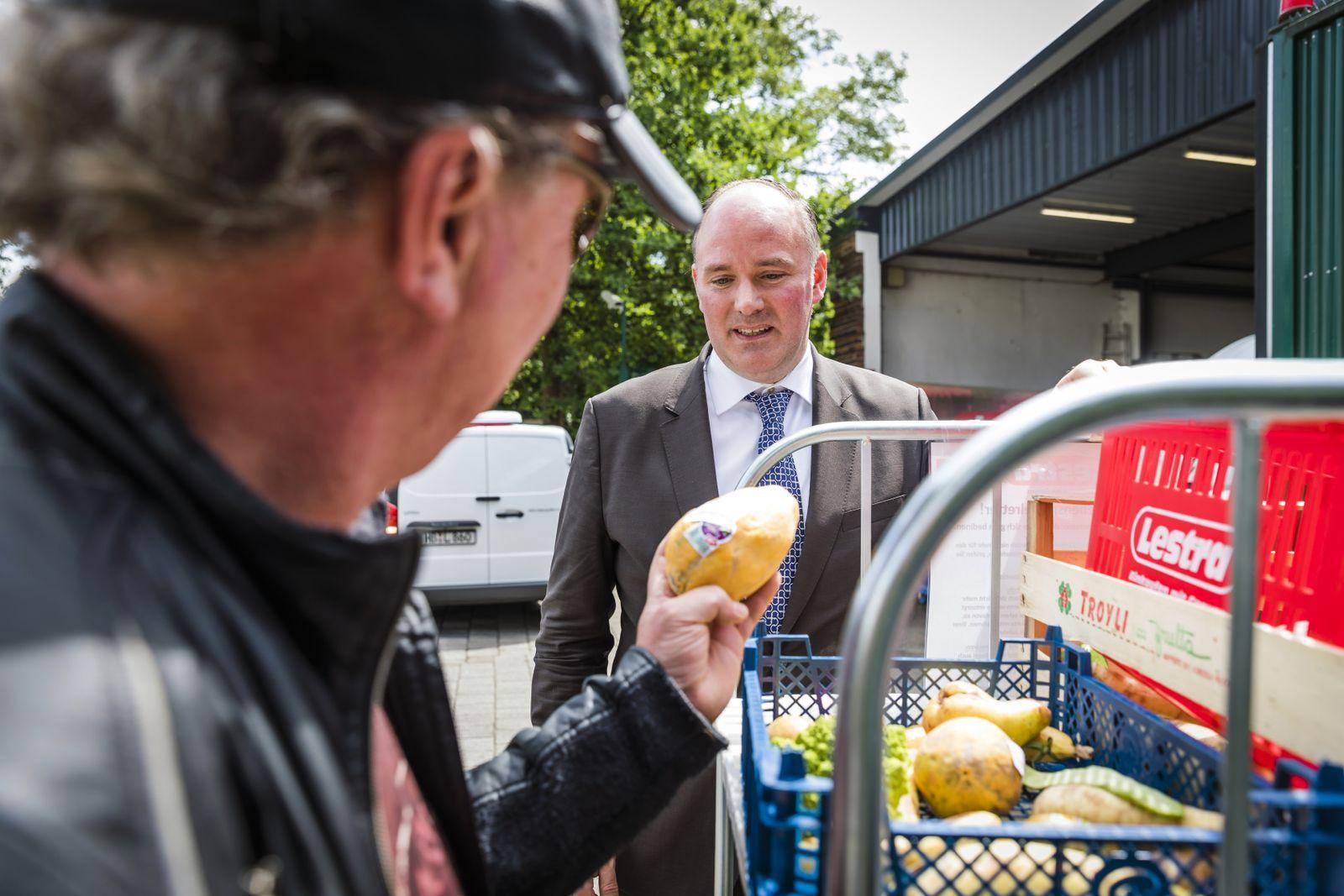 EINMALIGE VERWENDUNG Bremen â/ 12.07.2019 - Bremer Supermarkt erlaubt das Containern.