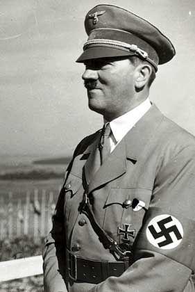 """Diktator Adolf Hitler: """"Wissenschaft wird heute gelehrt durch Hebräer"""""""