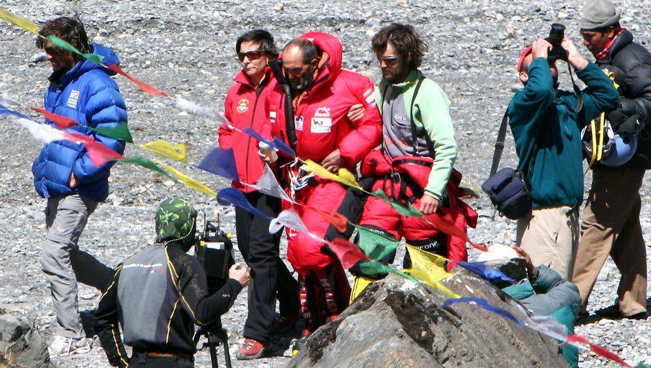 Spanisches Bergsteiger-Team im Basecamp: Ein Mallorquiner starb an der Annapurna