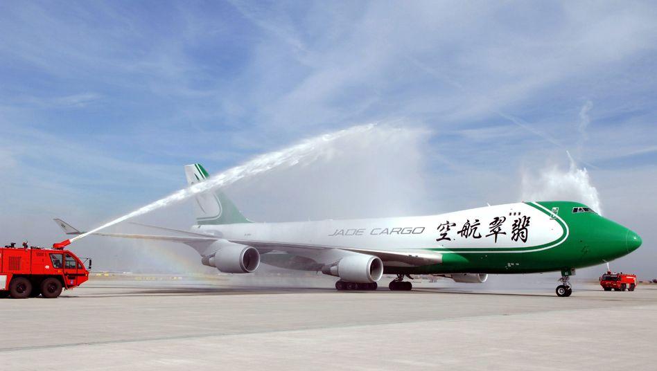 Versteigerter Jade-Cargo-Frachtjet auf dem Flughafen Leipzig/Halle