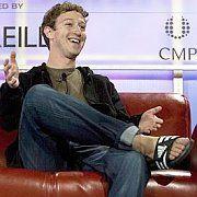 Facebook-Gründer Mark Zuckerberg: Verträgt sich das freundliche Sunnyboy-Image mit zu viel Neugier und Geschäftssinn?