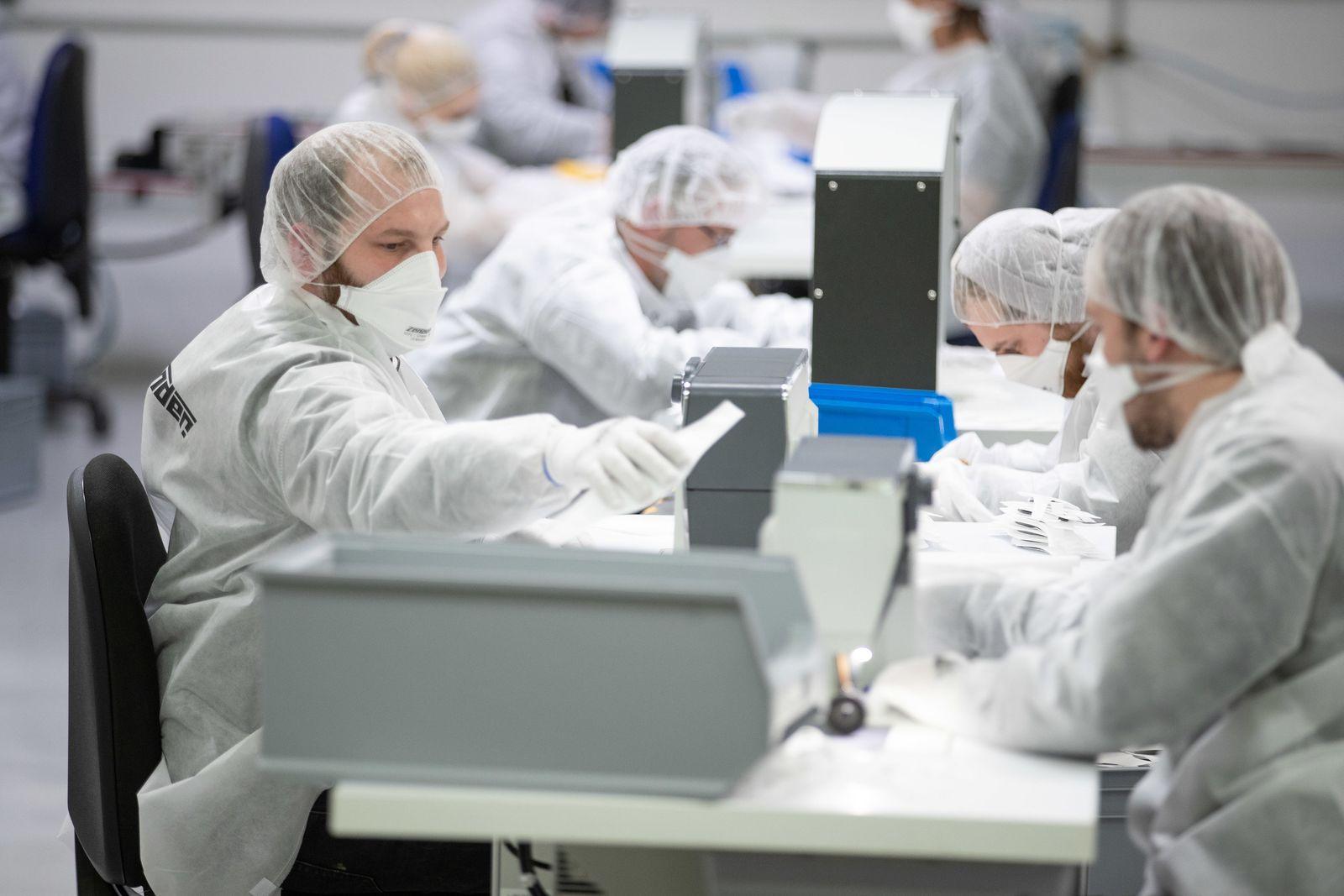 Coronavirus - Produktion von Schutzmasken