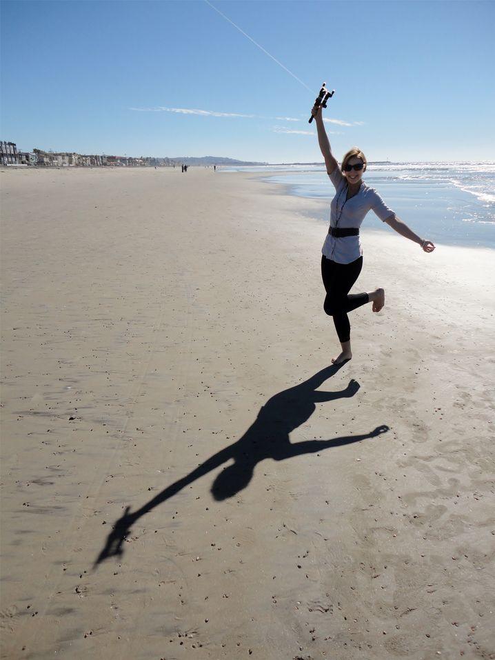 Anika Wolter am Ziel ihrer Träume: dem Strand von San Diego