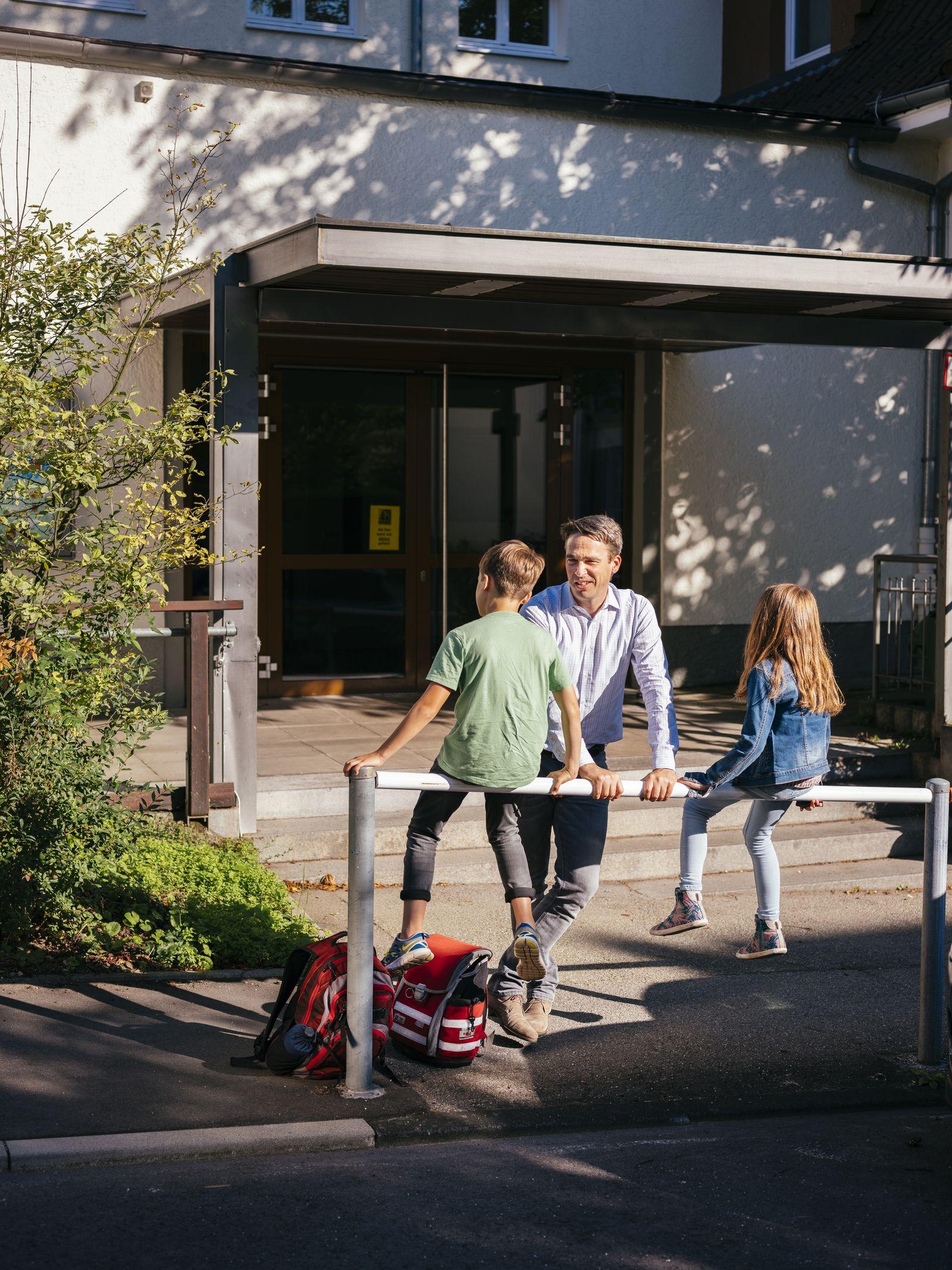 EINMALIGE VERWENDUNG SPIEGEL Plus SPIEGEL 32/2017 S. 46 Bildung Umzug Familie Jan Friedman STARTBILD
