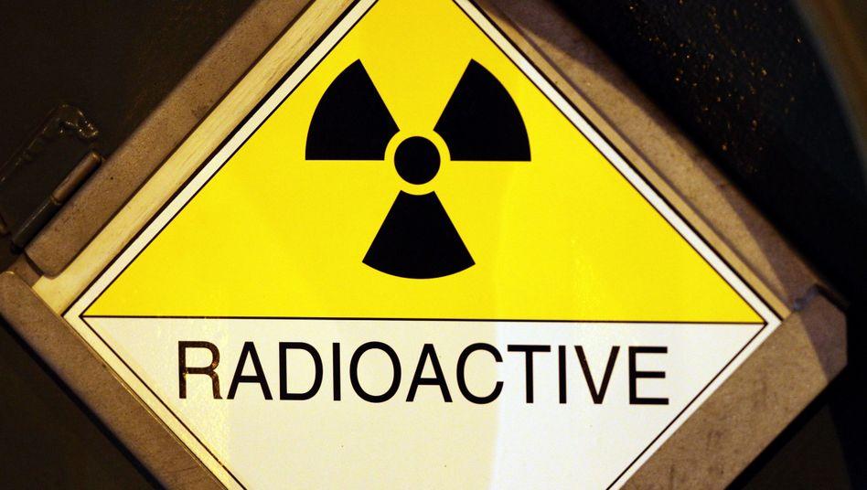 Warnschild radioaktiver Strahlung (Archivbild)