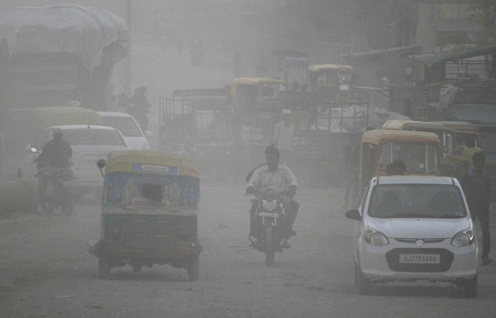 Indien/ Smog