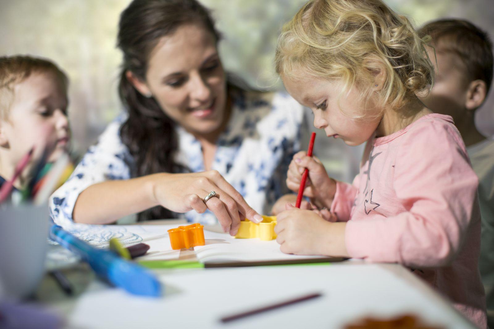 EINMALIGE VERWENDUNG Kindheitspädagoge