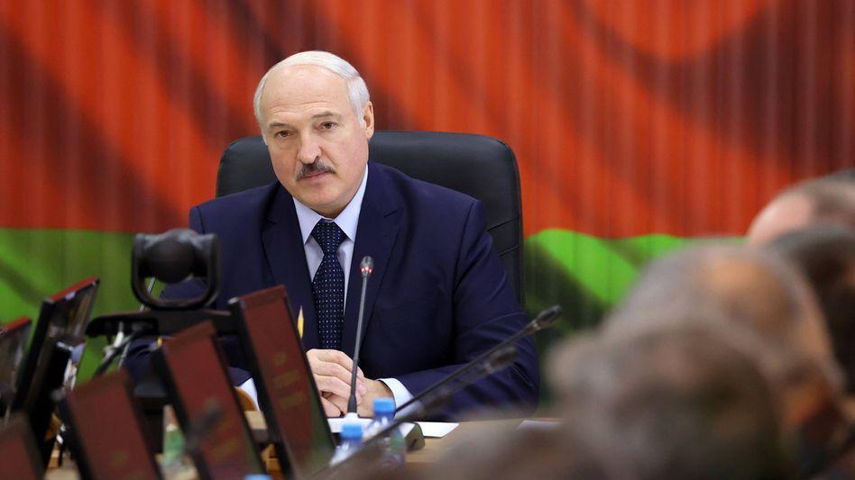 """Europas """"letzter Diktator"""" und angeblich mit großer Mehrheit wiedergewählter Präsident von Belarus: Alexander Lukaschenko"""