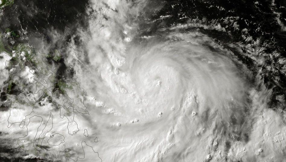 """Taifun """"Rammasun"""": Satellitenbild zeigt das Ausmaß des Wirbelsturms."""