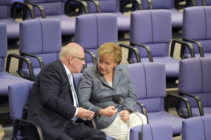 Volker Kauder und Angela Merkel