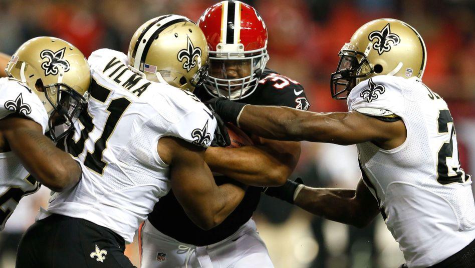 Saints-Spieler attackieren Falcon-Profi Turner: Sperren aufgehoben