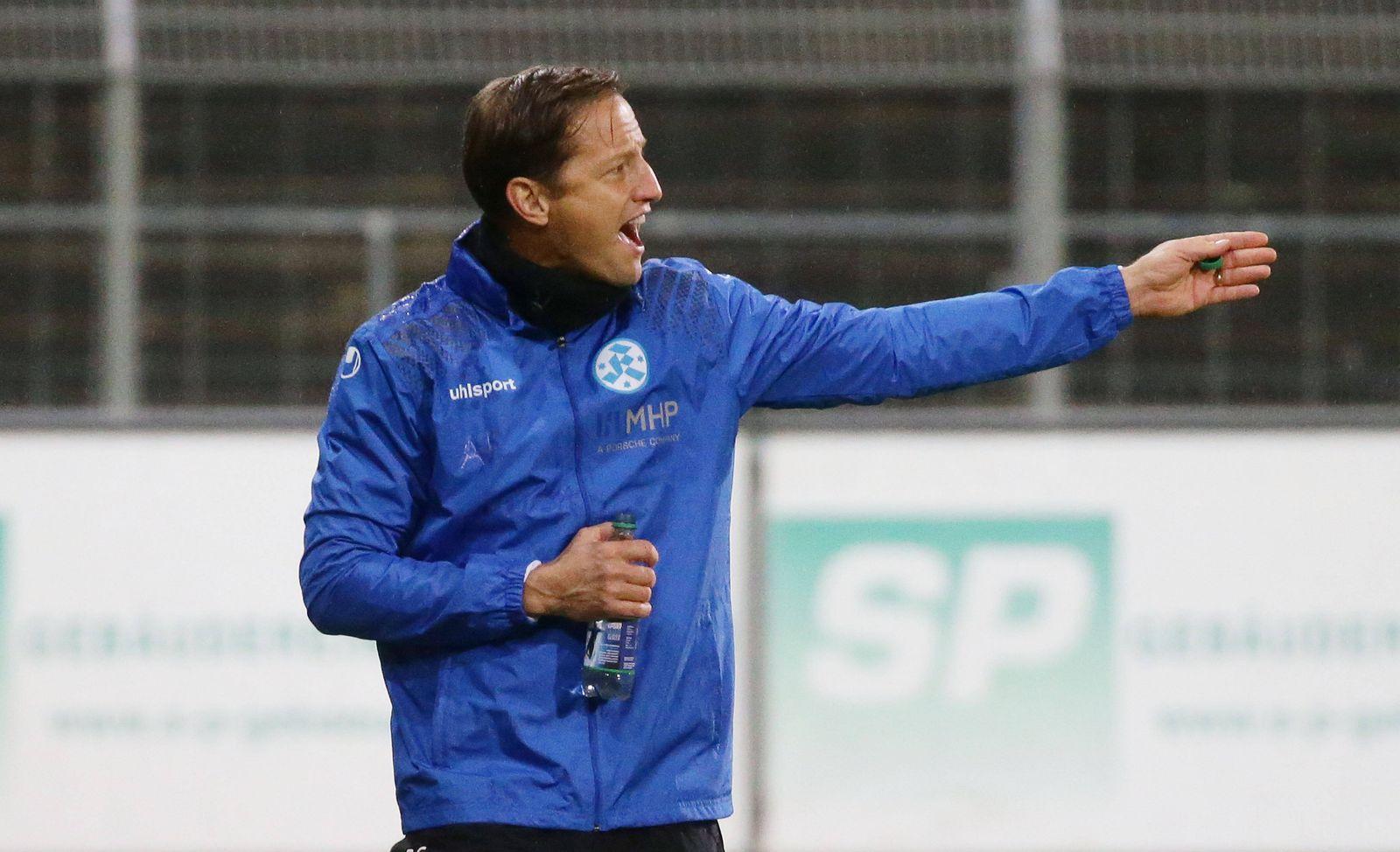 Stuttgart , Fußball WFV Pokal Viertelfinale , SV Stuttgarter Kickers vs. FV Ravensburg , Ramon Gehrmann ( Trainer Kicke