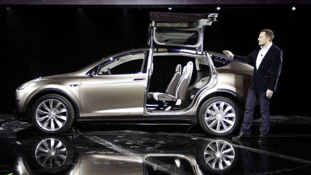 Tesla Model X: Elektroauto für die Großfamilie