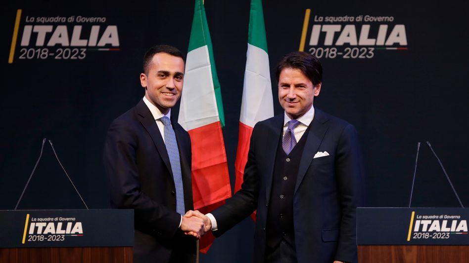 Fünf-Sterne-Chef di Maio (l.), designierter Regierungschef Conte