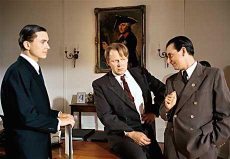 """Einflussnahme: Goebbels (Johannes Silberschneider, r.) drängt Harlan (M.) zur Übernahme des heiklen """"Jud Süß""""-Projekts"""