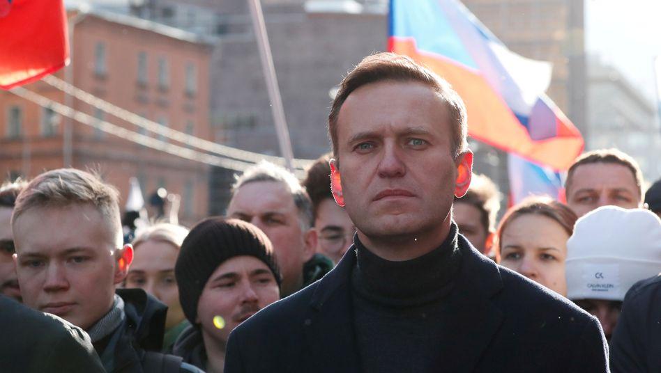 Alexej Nawalny kritisiert Durchsuchungen in Räumen seines Fonds