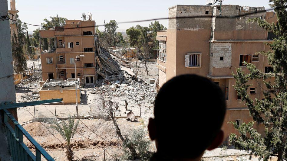 Syrische Stadt Rakka (2017): Die 31-Jährige hatte Deutschland 2015 mit ihren vier Kindern verlassen