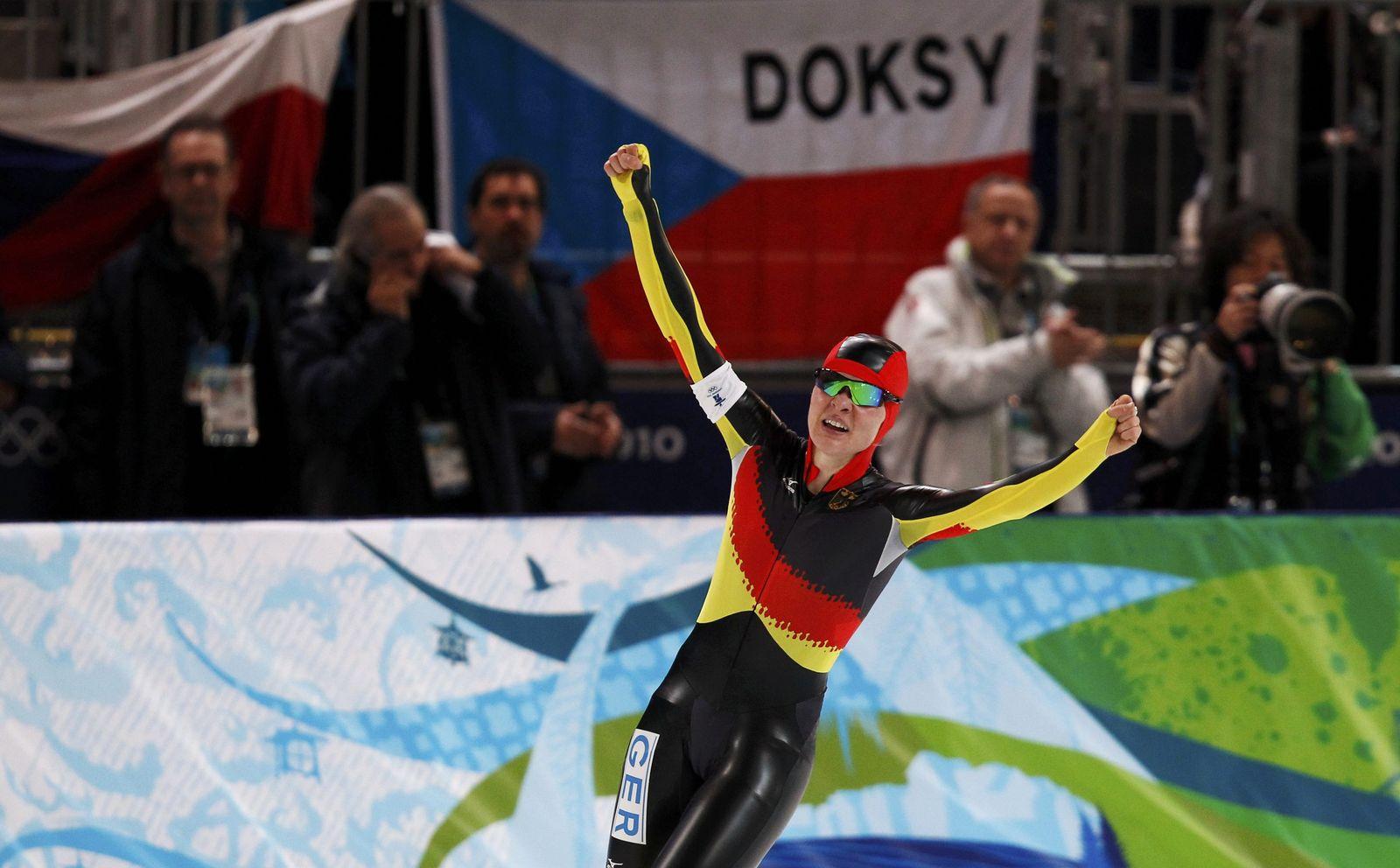 Beckert fährt jubelnd über Ziellinie 5000 Meter