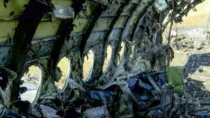 Notlandung in Moskau: Flammen auf der Landebahn