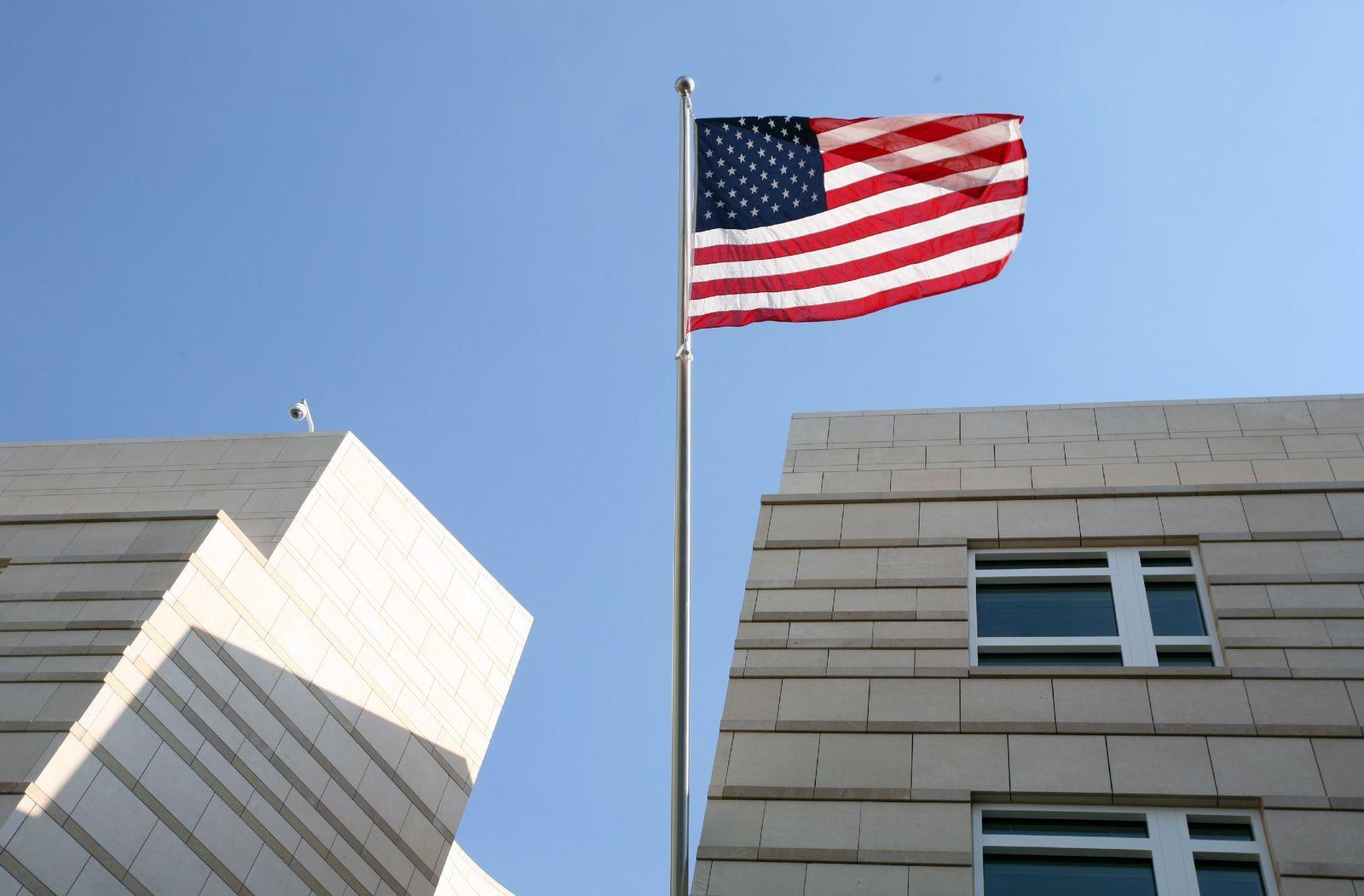Vorbereitungen Eröffnung US-Botschaft am Pariser Platz