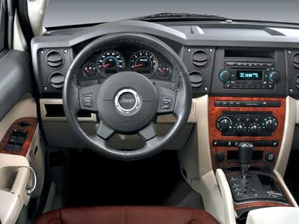 Commander-Zentrale: Barockes Design im neuen Jeep