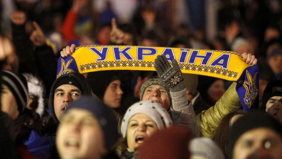 Massenproteste in der Ukraine: Opposition blockiert Regierungsgebäude in Kiew